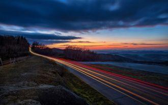 Как ехать на машине ночью по трассе